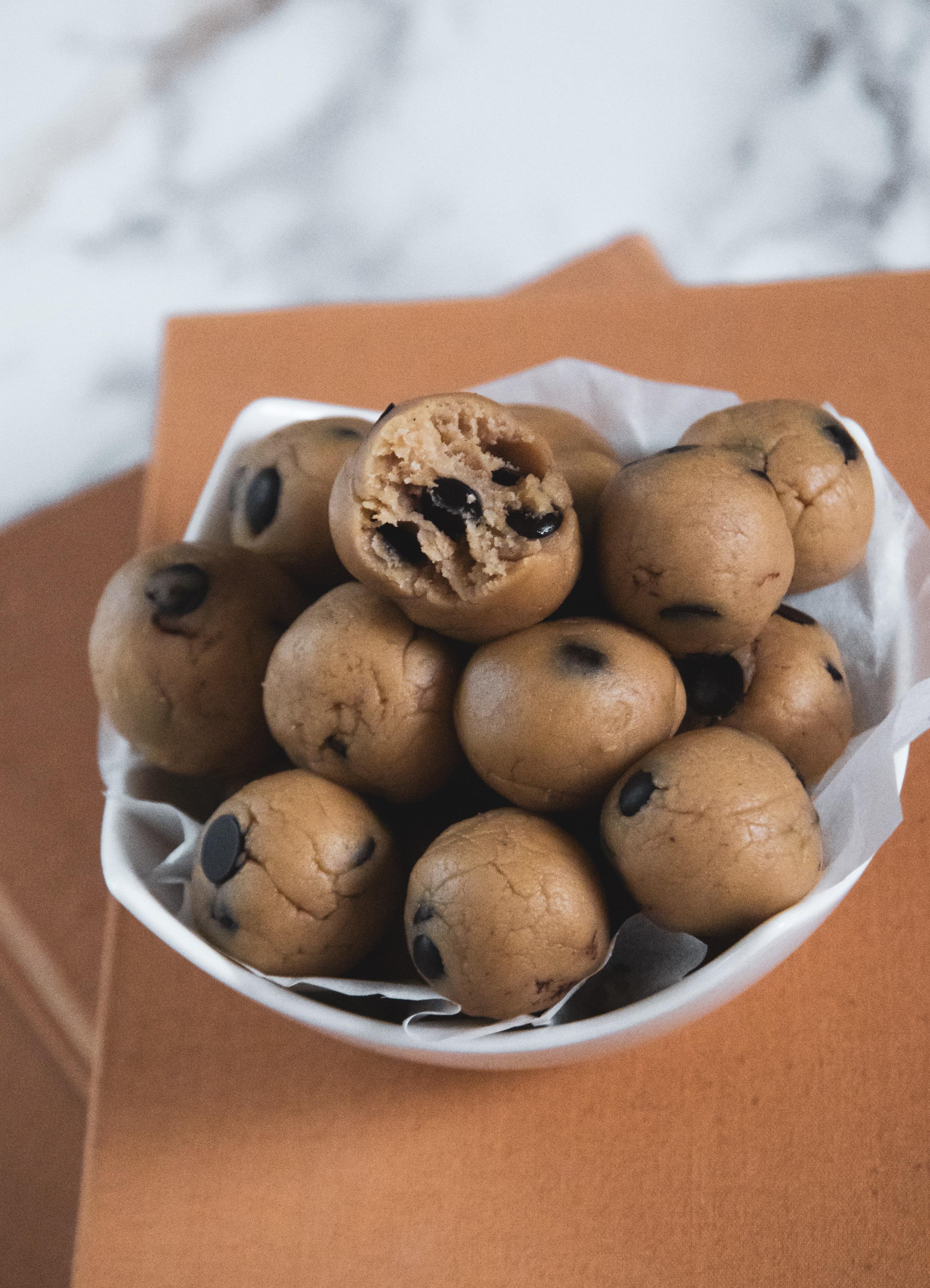 Sütés nélküli süti recept: Csokis Keksz Golyók